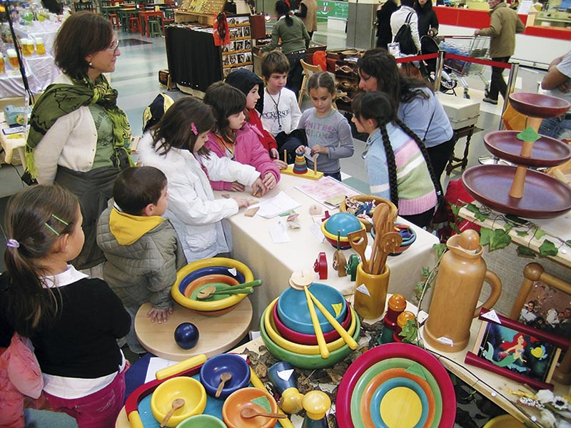 Arts for People - Maia Eventi - organizzazione mercatini artigiani ed eventi in piazze, strade e centri commerciali