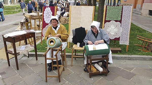Solidarity Market - Maia Eventi - organizzazione mercatini artigiani ed eventi in piazze, strade e centri commerciali